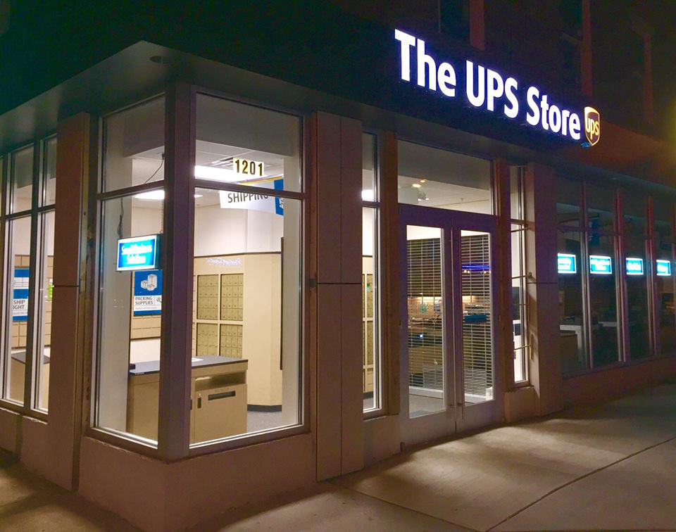 CLIENT SPOTLIGHT: JOY PATTON & DWRIGHT FOWLER-DAVIS THE UPS STORE